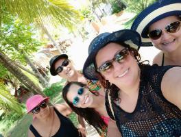 Cleia, Ledani, Isabel, Lourdes e Elisa / Maceió